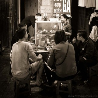 Roadside eatery, Old Quarter Night Market (Hanoi, Vietnam)