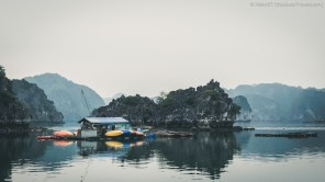 Fishing village, Lan Ha Bay (Vietnam)