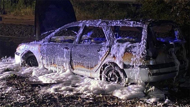 Auto brannte vollkommen aus