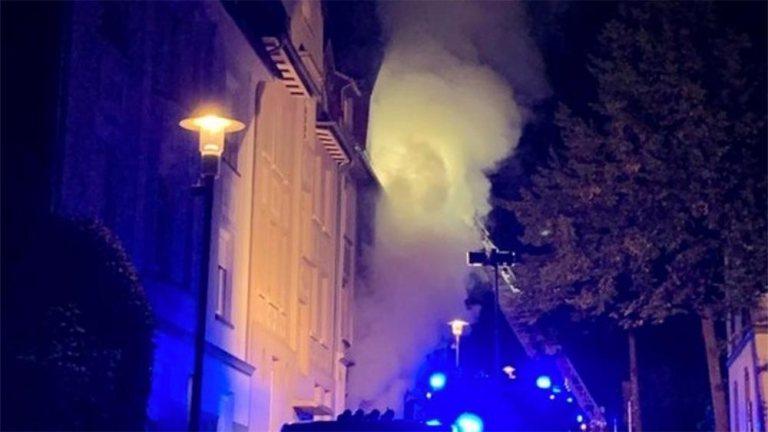 Sieben Menschen bei Brand verletzt