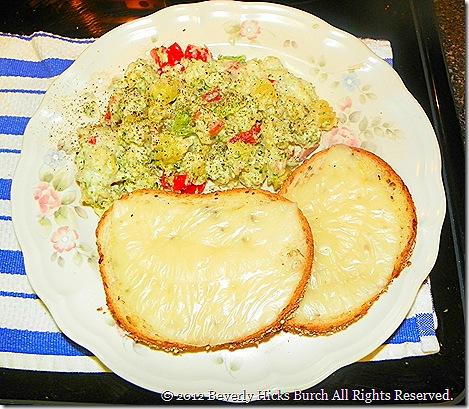 creamy pasta bake with cheese toast