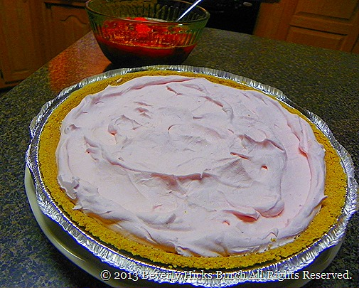 Staweberry Yogart Pie