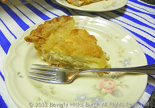 sour cream apple pie - slice