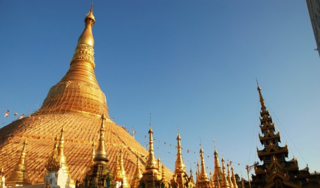 8 of the World's Most Spectacular Buddhist Temples