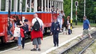 la-ferrovia-ed-i-treni-dei_med_hr