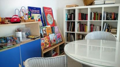 Angolo bambini e biblioteca