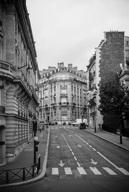 streets-of-paris-974995_640