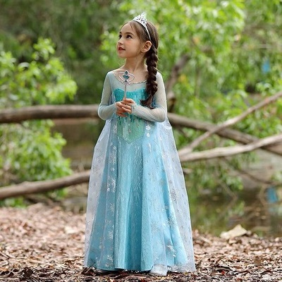 Costume di Carnevale di Frozen fatto a mano