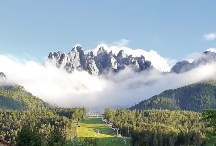 Zin Senfter con vista sul Monte Baranci