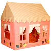win green gingerbread house