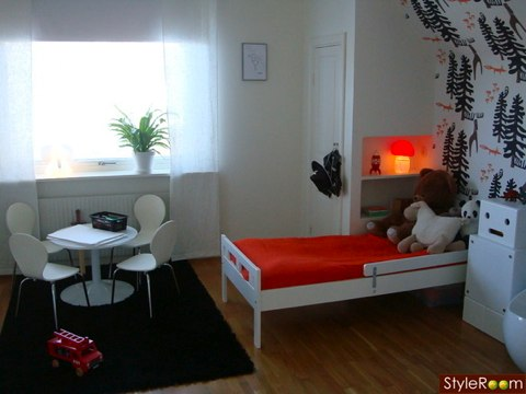 tinamoore room shot
