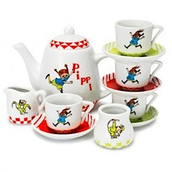 pippi longstocking tea set