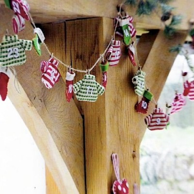 Knitted Advent Garland
