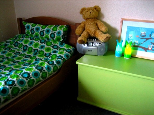 theos room