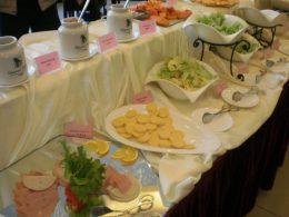 Frühstück im Luxus-Hotel
