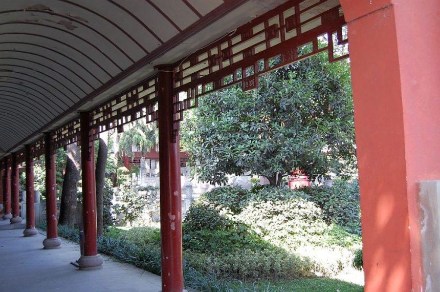 Wenshu Tempel Garten Korridor