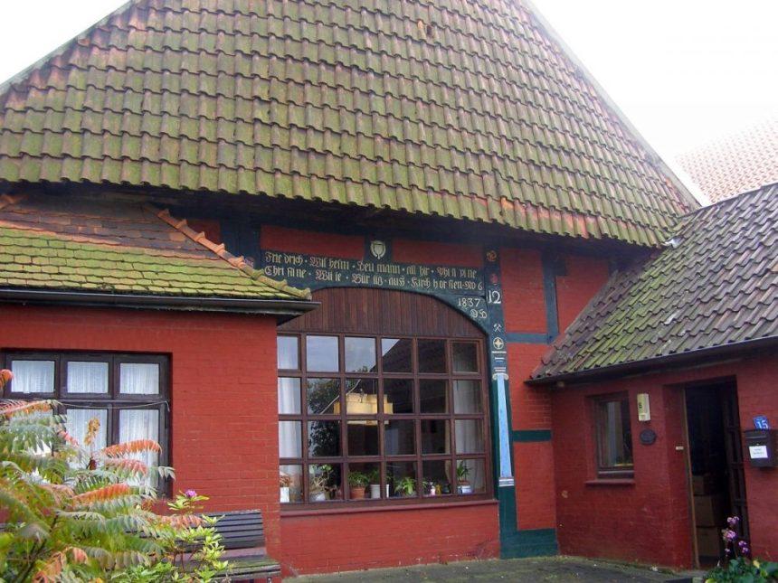 Schaumburger Land Bauernhaus mit Mützchen