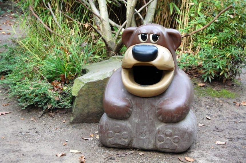Abfalleimer Im Zoo von Duisburg