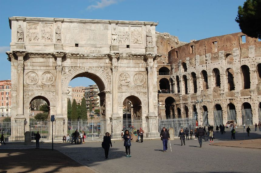 Konstantinsbogen und Kolosseum Roma Pass