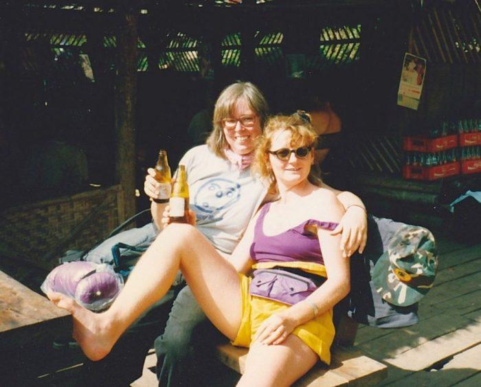 Nach der Trekking Tour - ein erfrischendes Bier - Silvester in Thailand