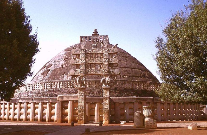 Die große Stupa des Kaisers Asoka
