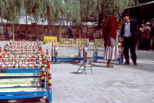Sonntagsmarkt in Kashgar . Kinderwieden 1992