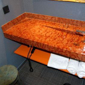 Badezimmer mit viel Ablagefläche