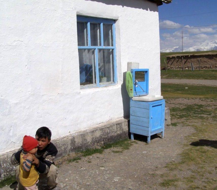 Waschstand in Sary Tash