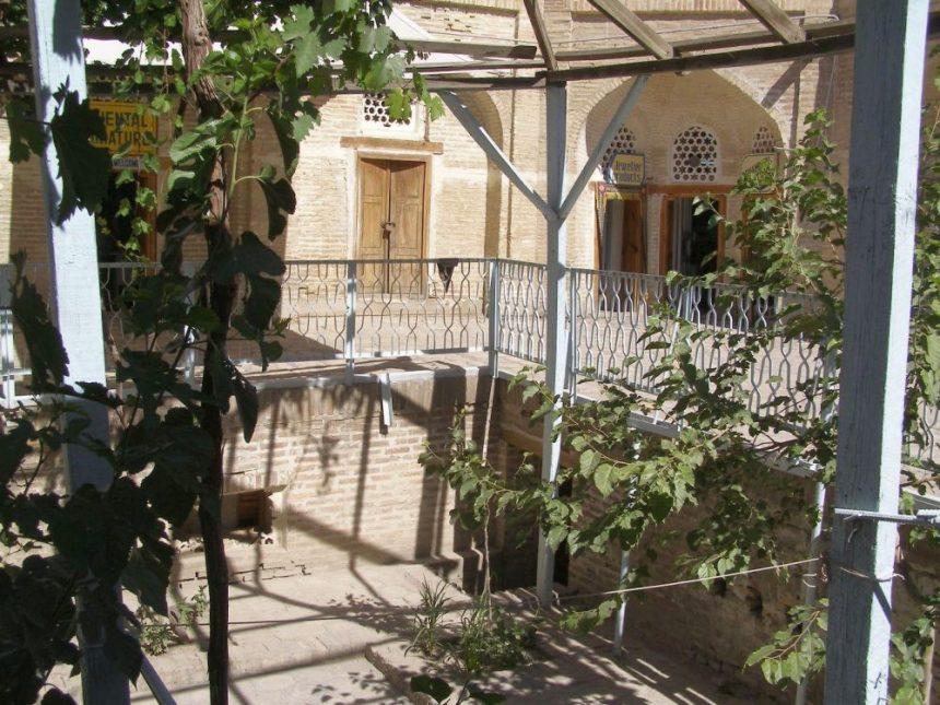 In der Karawanserei an der Seidenstraße