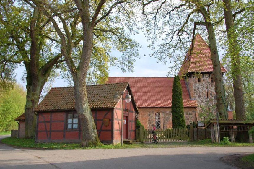 Die Kirche von Satemin.