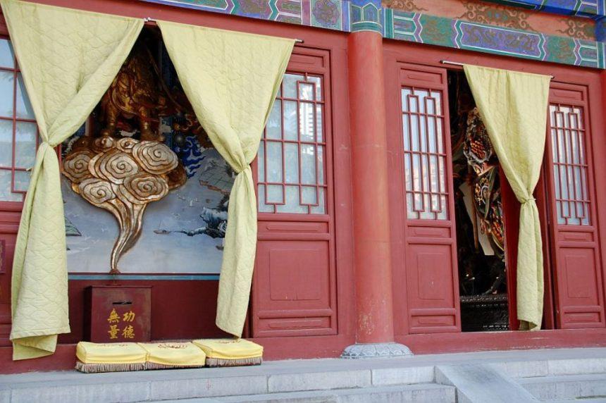 Halle der Himmelswächter im Daxingshan Tempel