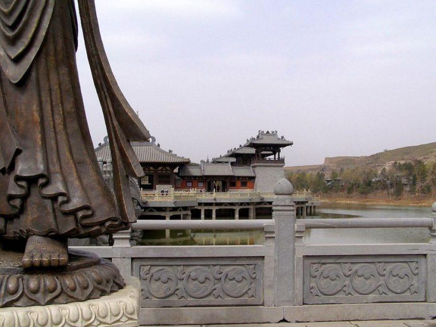 Yungang Tausendbuddha-Höhlen - der moderne Tempel