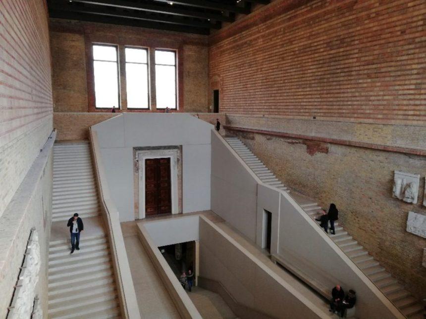 Neues Museum Treppenhaus