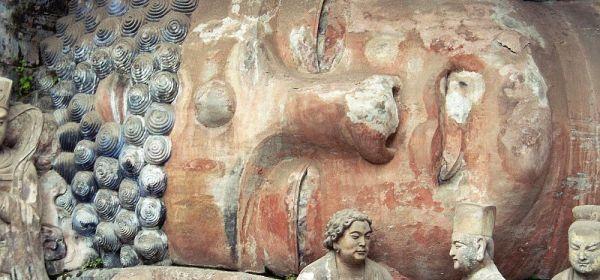 Liegender Buddha von Dazu