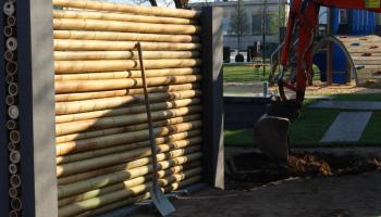 Wie Baut Man Einen Bambuszaun Mit Holzrahmen Und Sieht Das Aus