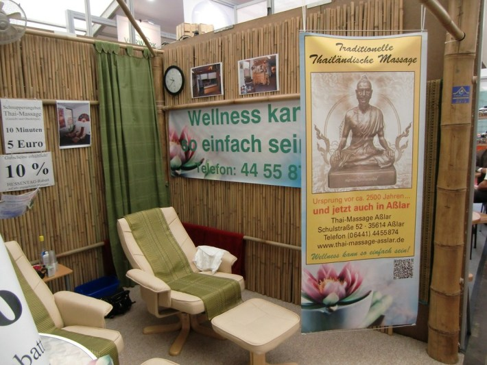 Messestand Mit Bambuswanden Fur Thai Massage Bambusexperte