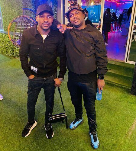 Mshayi & Mr Thela – Awuzwe Mp3 Download