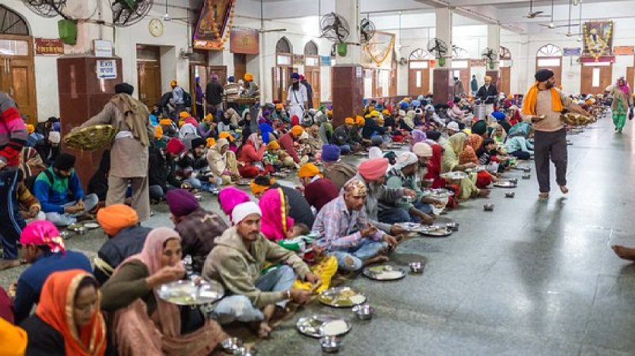 The dining hall for having the Langar meal