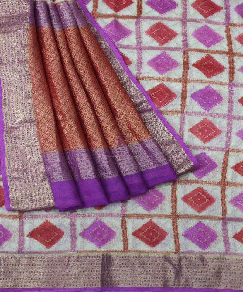 Pure Banarasi Handpainted Muga Silk Handloom Saree in Pink and Red 3