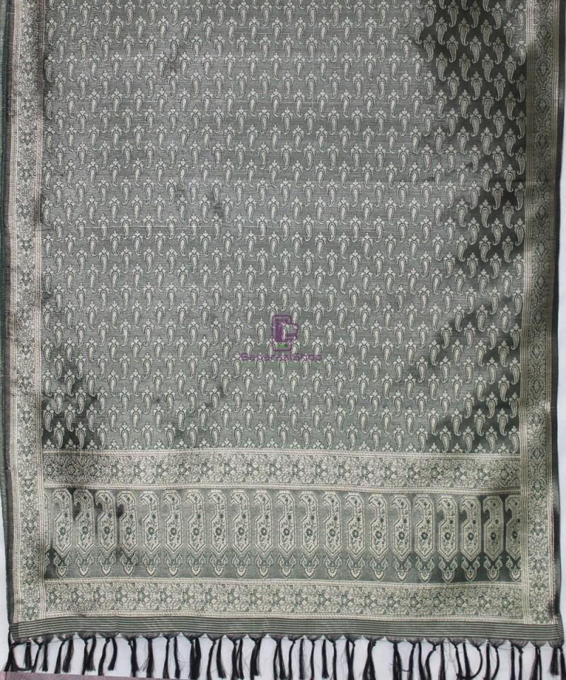 Handwoven Tanchoi Banarasi  Silk Stole in Black 3