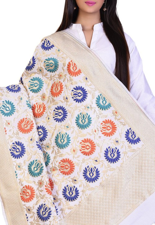 Woven Banarasi Art Silk Kimkhab Dupatta in White 4