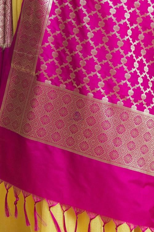 Woven Banarasi Art Silk Floral Tassel Dupatta 11