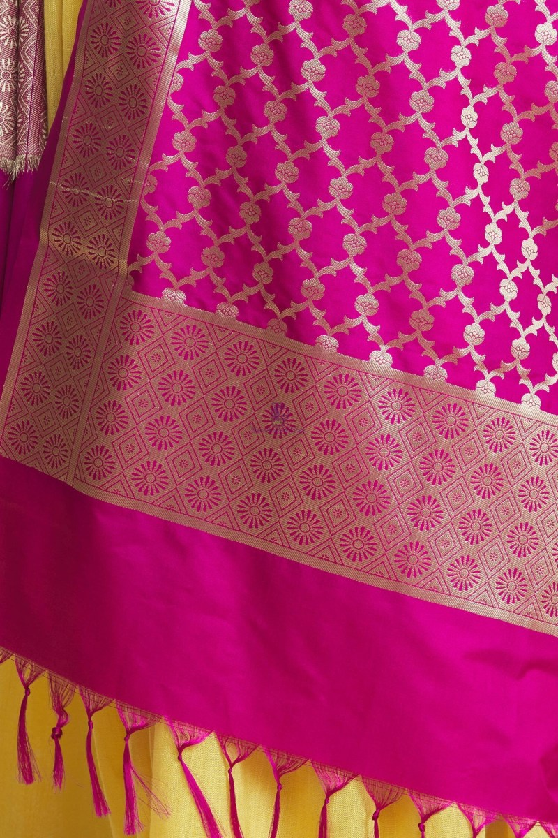 Woven Banarasi Art Silk Floral Tassel Dupatta 6