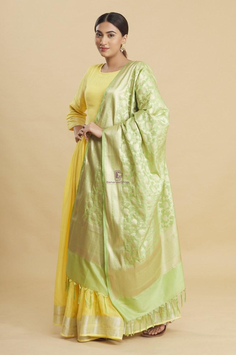 Woven Banarasi Art Silk Floral Tassel Dupatta 1