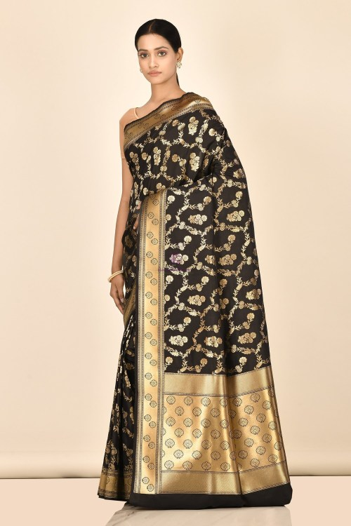 Banarasi Silk Saree with Running Blouse Fabric 5