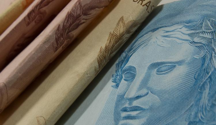 dinheiro_marcos_santos_usp_imagens_3