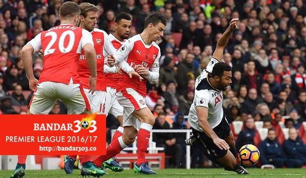 Dembele Koscielny Arsenal Tottenham Hotspur Liga Inggris