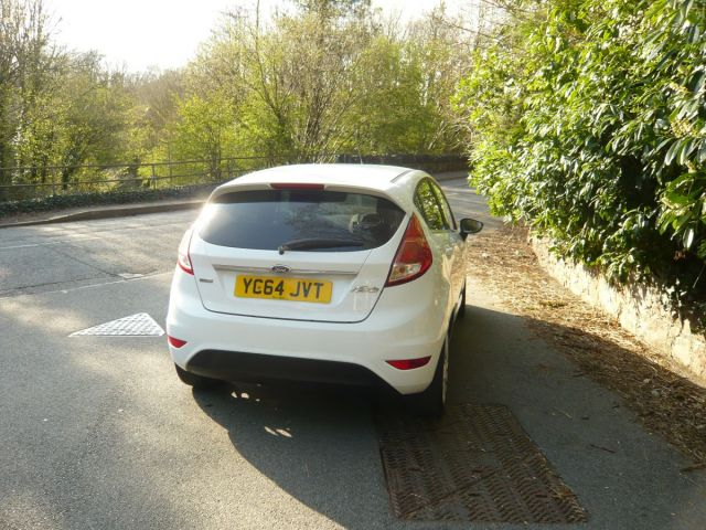 FORD FIESTA TITANIUM 5 DOOR