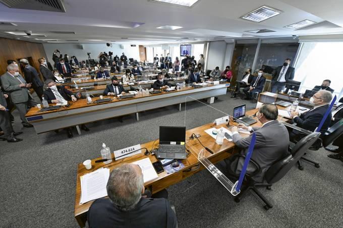 Deputados Fausto Jr. e Delegado Péricles são convocados a depor na CPI da Covid