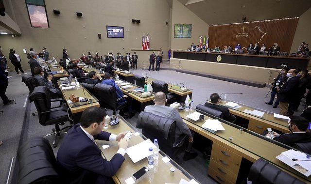 Rosiene Carvalho fala sobre empréstimo bilionário que Governo quer contrair
